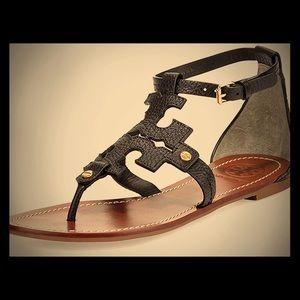 Tory Burch phoebe flat thong black sandal 7.5